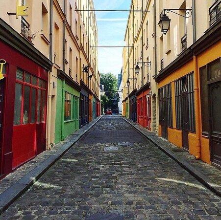 Quelques notes de couleurs qui donnent vie à la rue de Reuilly en attendant la réouverture des brasseries ! 🧡 ◾ 📷 Repost : @victorparigi ◾ ◾ #foodgasm #foodlover #lunch #cuisine #gourmet #paris #yummy #foodie #workinglunch #lunchtime #brasseriedequartier
