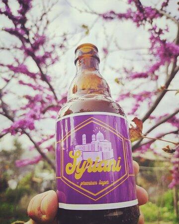 Η δική μας SYRIANI μπύρα, δοκιμάστε την μόνο στο εστιατόριό μας.