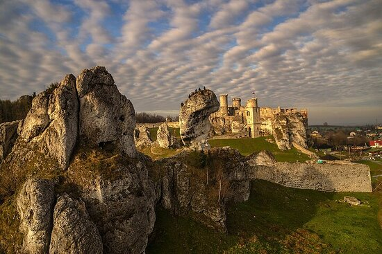 Private Ojców National Park and Ogrodzieniec Castle Tour from Krakow