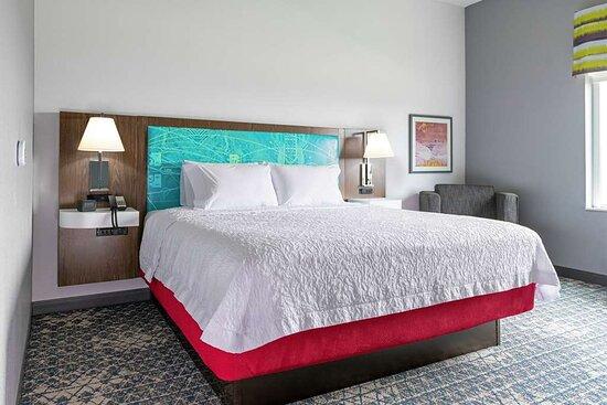 Hampton Inn & Suites Pittsburgh New Stanton