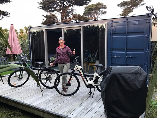 Ross, New Zealand: Standing on private deck - NB BBQ for personal use