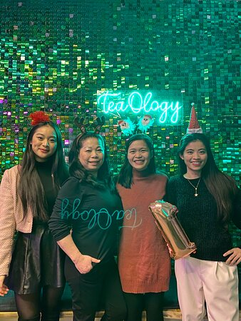 Happy Birthday TeaOlogy!!!!!! 🎂🎁 We're 1 year old today! ✨🎉   Thank you for the support during these 365 days. It has been overwhelming to receive this amount of love, but it sure feels heartwarming and good too. We're eternally grateful that you have given us a chance and opportunity to serve you. We'll keep on improving, working harder and do better for you to be further content with our creations. TeaOlogy - the finest bubble tea in Norway.