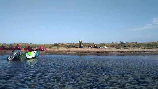 Port-Saint-Louis-du-Rhone, Pháp: spot école Booster-kite