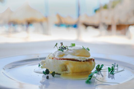 Eggs Benedict with a view!