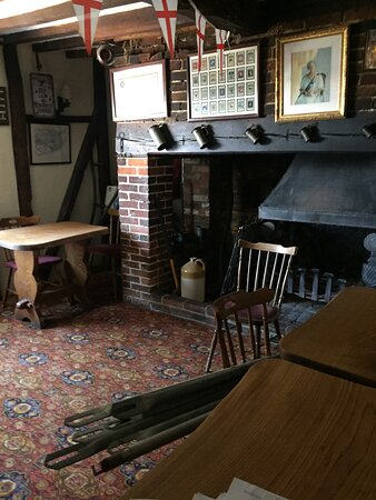 6.  Queens Head Inn, Icklesham, Eastn Sussex