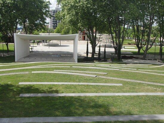 Parque De Nossa Senhora Das Dores e Dr. Lima Carneiro