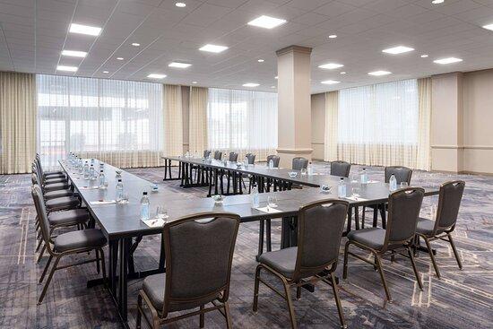 Governor's Ballroom - U-Shape Setup