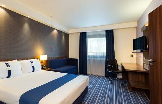 Efficient One Bed Nonsmoking ADA/Accessible Room