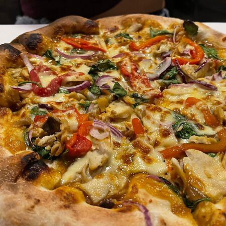 Hidden gem with great pizza