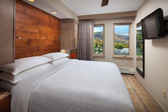 One-Bedroom Smaller Villa - Bedroom