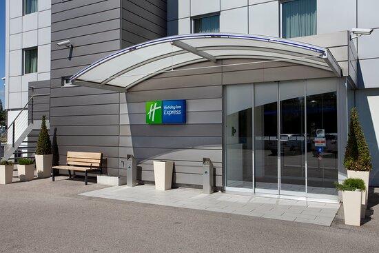 Holiday Inn Express Geneva Airport