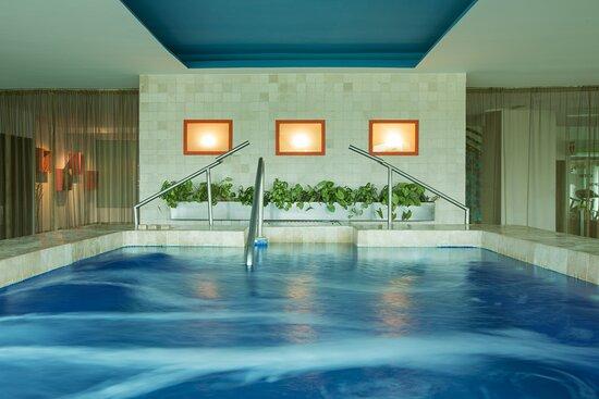 AWAY® Spa Hot Tub