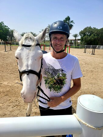 Jebel Ali, United Arab Emirates: Spotty, my good and beautiful horse for 2 weeks ;-)
