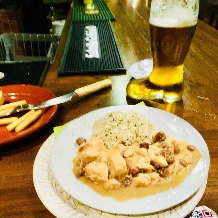 Pollo con salsa de Vino de Málaga delicioso ☝️😋