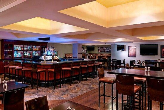 Spectators Gastro-Pub - Bar