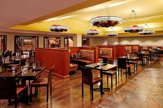Spectators Gastro-Pub - Dining Area