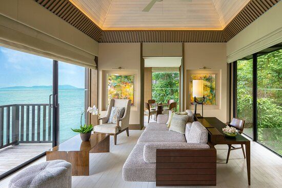 Ocean Front Villa - Living Area