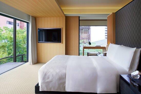 Corner Minami Suite - Bedroom