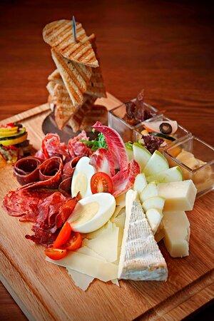 Gastro Sentral - Ploughmans Platter
