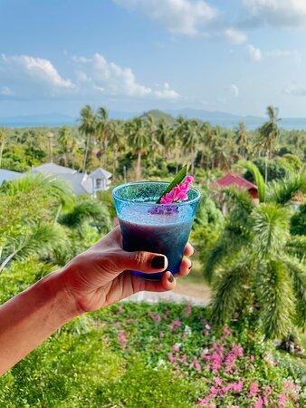 Cheers fresh welcome drinks!