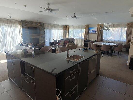 Great 4 Bedroom Presidential Suite