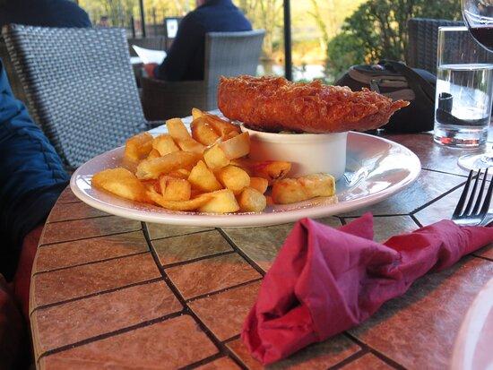 Burnsall, UK: Fish n Chips