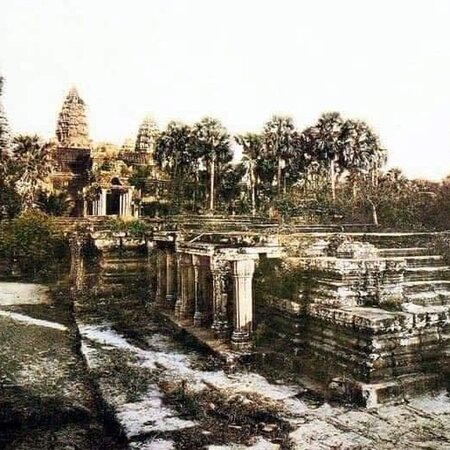 #cambodiacountry#OhmadventureTours Providing Tours packages through the country: Angkor Wat Temple