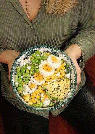 Stell' dir deine eigene Bowl zusammen! Egal ob mit Fleisch, vegetarisch, vegan, lowcarb oder ketogen.  Wir freuen uns auf dich!