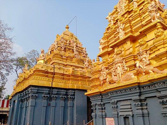 Palakollu, India: The inner prakaras