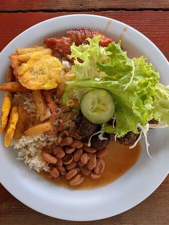 Safari: Authentic tour of the country, culture, local life: repas typique