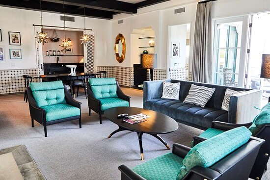 Alcazar Suite Living Room