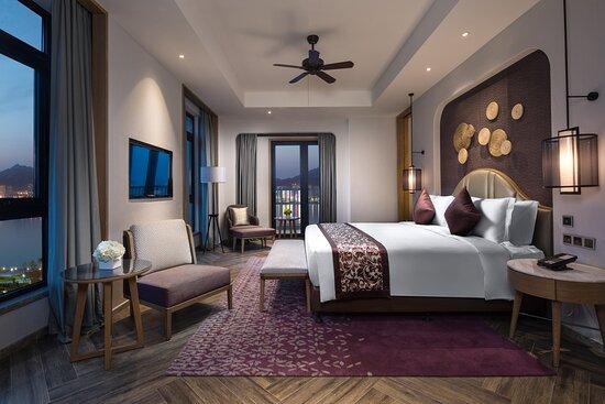 Crowne Plaza Superior Suite Room_Bedroom