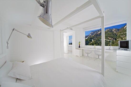 Canopy Room