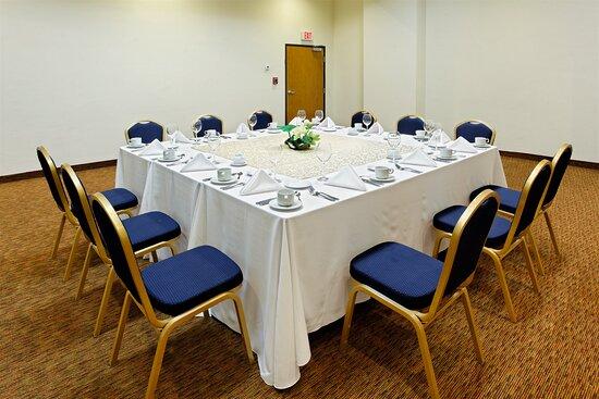 Meeting Room: Salon Marin