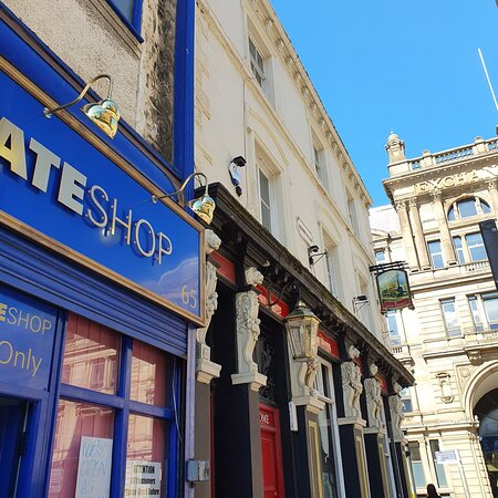 The Lion Tavern Pub in Liverpool Buisness District.