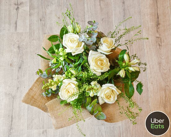 Mix Café & Florist present a unique dining experience which is accompanied by a sensational florist ambience. Our Flowers are available to purchase or order on Uber Eats.