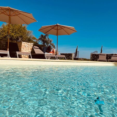 Espace piscine chauffée filtrée au sel