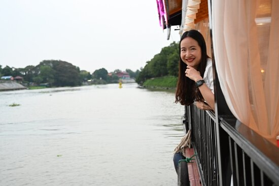 We offered private boat tour.