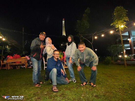 Lawang, Indonesia: Taman di Villa Navy Residence