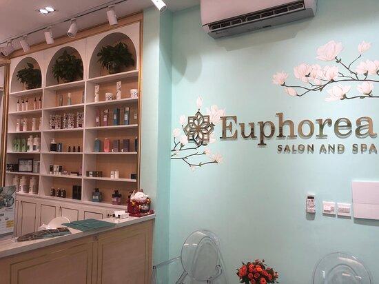 Euphorea Salon And Spa - La Chapelle