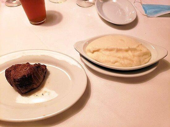 petite filet/mashed potatoes