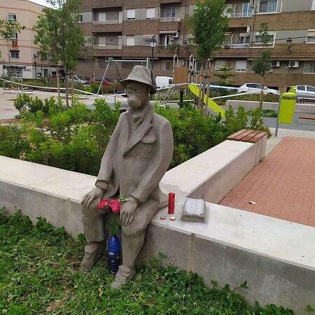 Escultura Homenaje Memorial Víctimas Del Covid