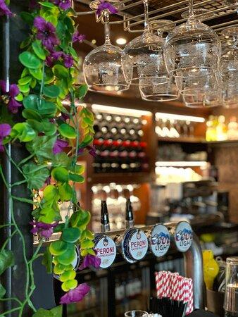 Porters Bar & Restaurant