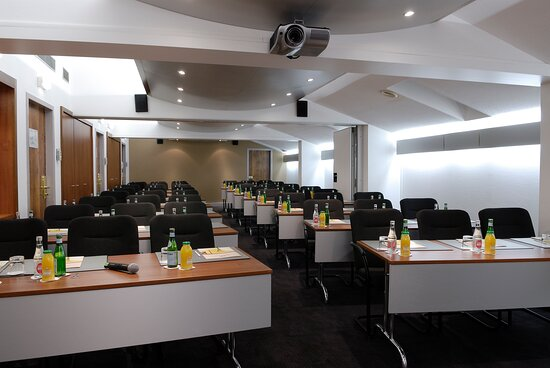 Ideally for your conference - Maximum capacity : 90 attendees
