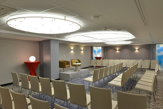 Meeting Room 'Garonne' - Up to 90 attendees