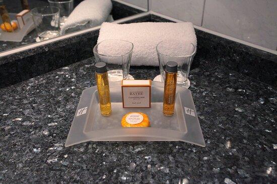Essentiel Elements Bath Collection amenities
