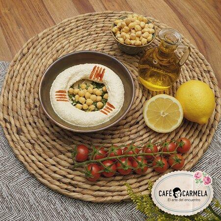 Authentic Lebanese humus