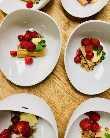 fraise  rhubarbe piment d'Espelette