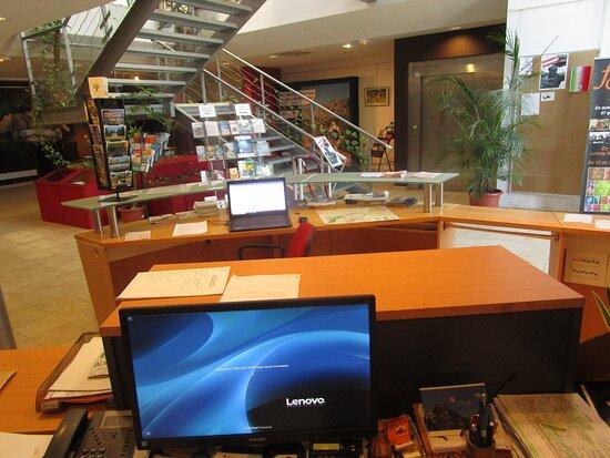 Office De Tourisme De La Roque D'anthéron