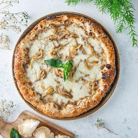Truffle & Oyster Mushroom (GB Neapolitan Pizzeria)